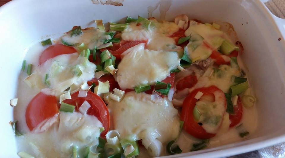 Kabeljauw filet met tomaat en mozzarella